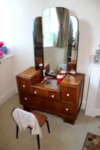 small dresser1