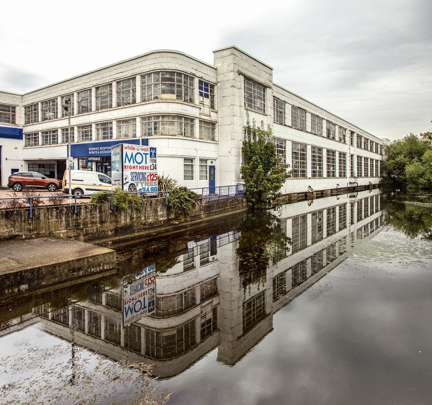 Rootes Motorcar Showroom (now Robbins & Day), Maidstone